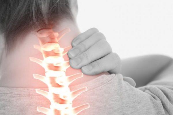 """3 esminės priežastys, kodėl mums skauda  kaklą, ir dažnai tai neturi nieko bendra su """"bloga laikysena""""!"""